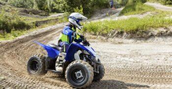 2019-yamaha-yfz50-eu-racing-blue-action-008