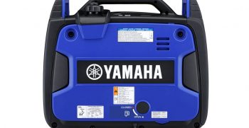 2020-Yamaha-EF2200IS-EU-Blue-Action-003-03